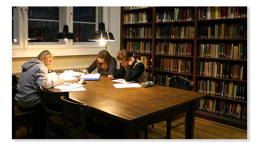 Bibliothek Studierende