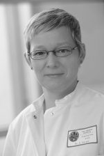 Dr Esther Herpel