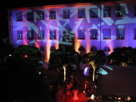 First-ever University Summer Night — 400 guests enjoyed an atmospheric summer party in a historical setting